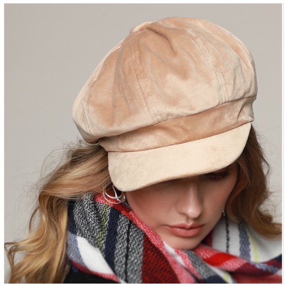 Accessories - FLASH SALE Classic Velvet Newsboy Hat Cap Tan NWT